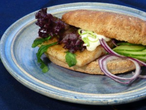 Fisk i brød. Foto Kirsten Winge