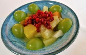 Teiebær på fruktsalat. Foto Ove Bergersen