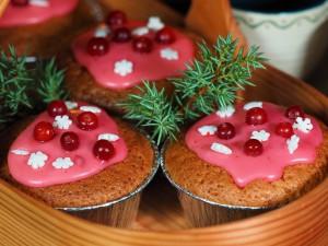 Julemuffins med tyttebærhatt. Foto Arne Nohr